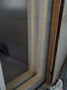 コンクリートブロックの防音扉の枠 完成