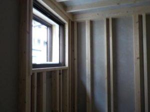 連棟式防音室の内側出来上がり 窓側