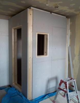 防音ブースの外壁完成