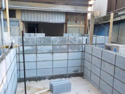 連棟式防音室コンクリートブロック壁積み8段目