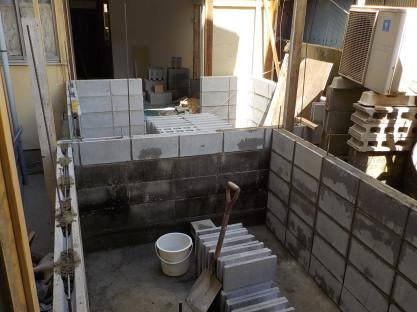 防音室のコンクリートブロック壁積み5段目