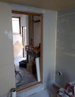 お部屋の中に新しい防音室を作るスーパーストラクチャー壁編|入り口付近 内側二枚目張り完成