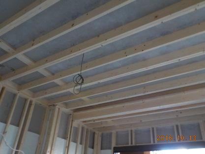 大きめの防音室の天井部分の組み立て完了