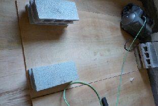 防音室の製作ベースメント合板2枚目張り付け