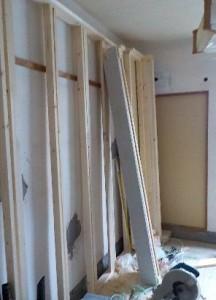 お部屋の中に新しい防音室を作るスーパーストラクチャー壁編|壁骨組みの製作と仮組立