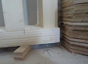 お部屋の中に新しい防音室を作るスーパーストラクチャー壁編|壁の建て込み、接合面にはシリコーン