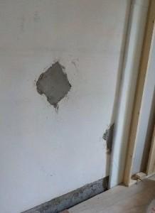 お部屋の中に新しい防音室を作るスーパーストラクチャー壁編|既存壁の隙間を塞ぐ