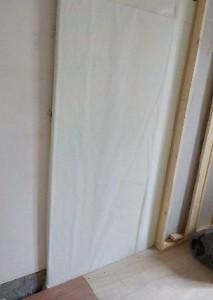 お部屋の中に新しい防音室を作るスーパーストラクチャー壁編|既存壁との間にグラスウール吸音板を入れる
