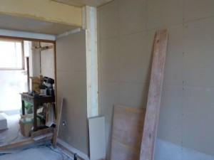 お部屋の中に新しい防音室を作るスーパーストラクチャー壁編| 内側の一枚目の壁を張る