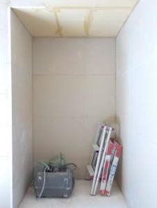 お部屋の中に新しい防音室を作るスーパーストラクチャー壁編|押入 内側の一枚目