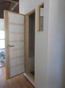 防音ブースの製作 防音扉の吸音張り完成