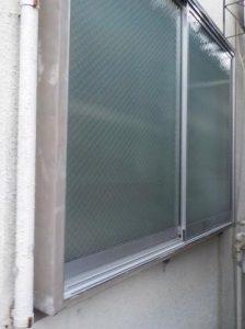 外側に防音窓を取り付け