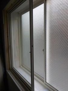 二重窓の内側入れました