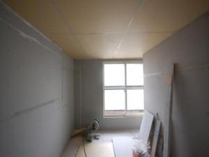 防音室C101窓側