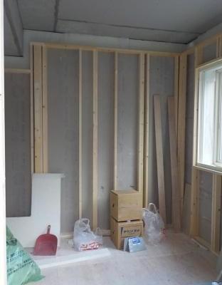 内側の防音室の壁のみ完成