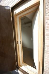 完全防音室付きマンションB101防音室入り口