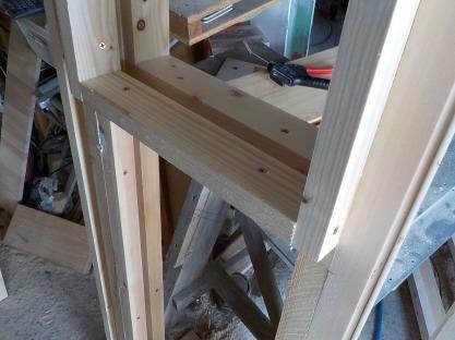 2重壁の防音ブースの骨組み窓部分