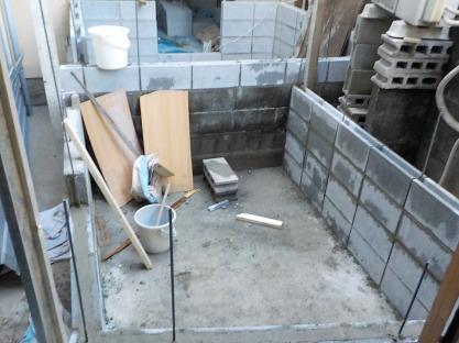 防音室のコンクリートブロック壁積み