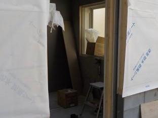 防音室の扉の取り付け前