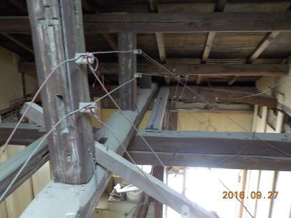 古民家風の防音室を作るために碍子引き電気工事一式を撤去