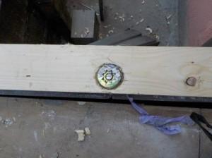 防音室土台 ボルトナットの出ている部分を切除