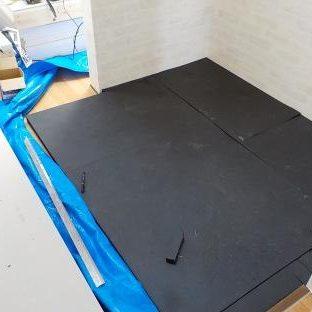 防音ブースの製作 ファンデーション(防音ブースの床)製作ゴムマット