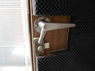 防音室にも鍵がかかります。
