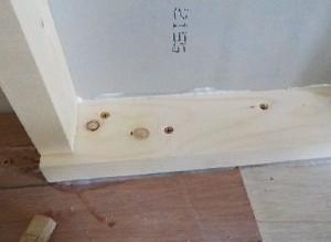 お部屋の中に新しい防音室を作るスーパーストラクチャー壁編|壁の建て込み、壁と床との接合