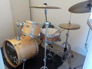 生ドラムによる防音室の検証