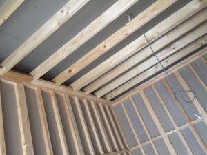3重の防音室の2層目天井下地組みました。