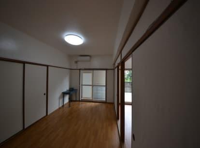 専用防音室のある2DKマンション 左側お部屋