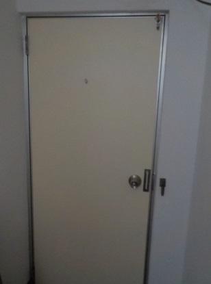 扉をリフレッシュ 内側 after