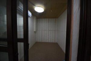 防音室付きロフト付きアパート 防音室入口から