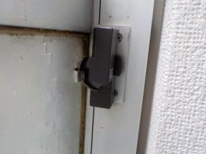 窓のクレセントの交換閉めた状態