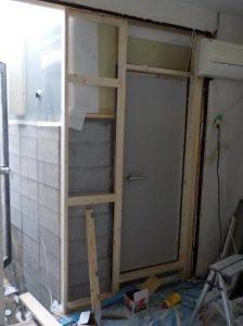 防音扉外側周りの壁下地製作