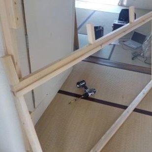 古民家風防音室に前室を作るため扉を設置する 下地枠部分